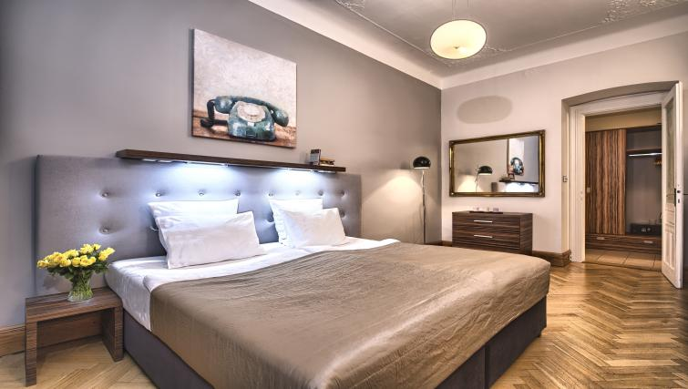 Double bed at Residence Brehova Apartments
