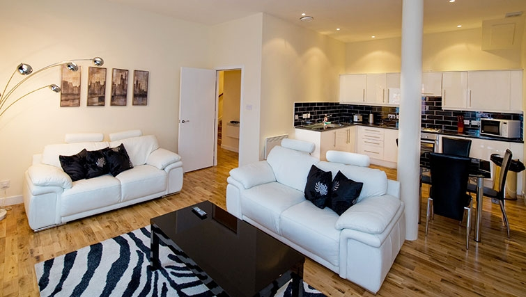 Stylish living area in Aberdeen Douglas Apartments