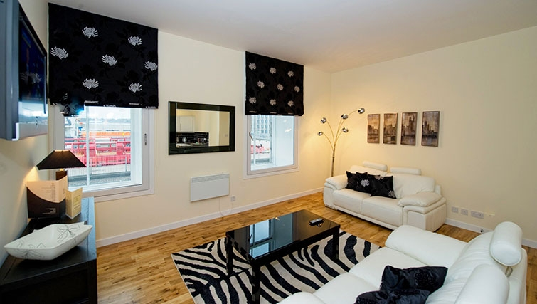 Excellent living area in Aberdeen Douglas Apartments
