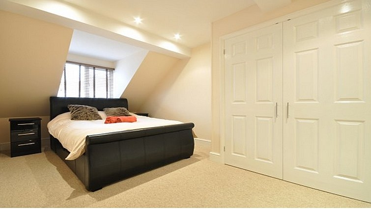 Comfortable bedroom in Lower Road Apartments