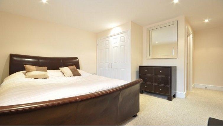Modern bedroom in Lower Road Apartments