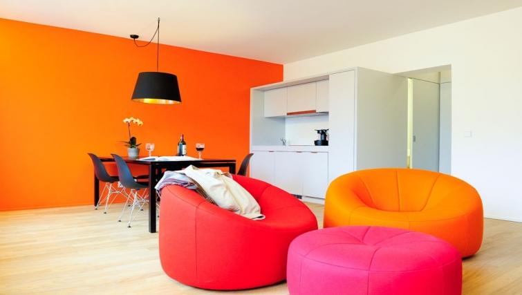 Colourful living area in Key Inn Apart-Hotel Parc de Merl