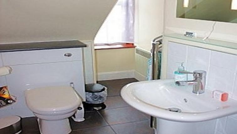 Overwhelming bathroom in King Street Apartment