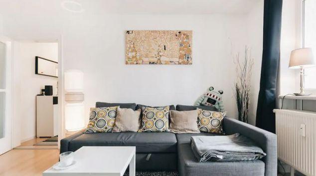 Living room at Ruge Apartment, Südvorstadt, Dresden