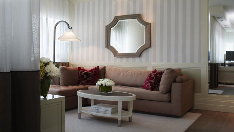 Living area at Lanson Place Hotel and Apartments