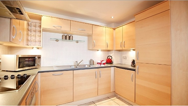Spacious kitchen in Priory Place Apartments