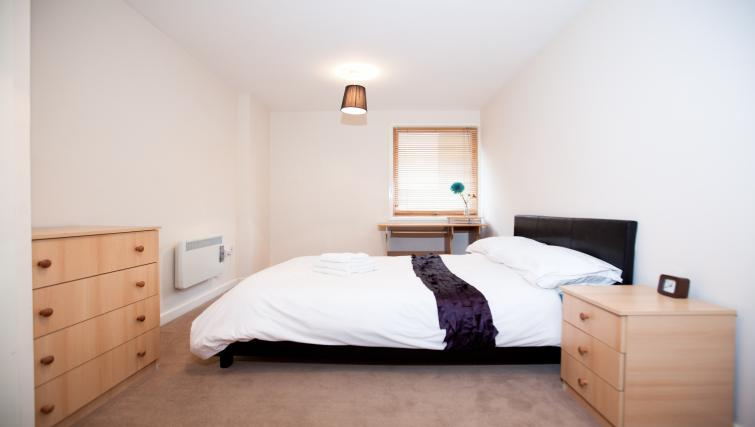 Bed at Priory Place Apartments