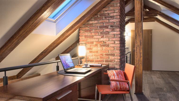 Deska t Residence Rybna Apartments