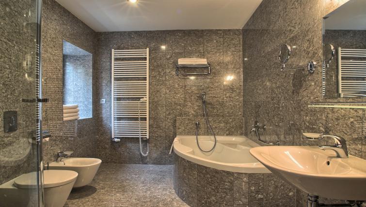 Family bathroom at Residence Rybna Apartments