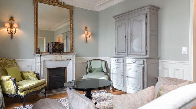Elegant Mezieres Apartment, 6th Arr, Paris
