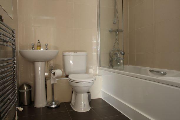 Bath at Guards View Apartments