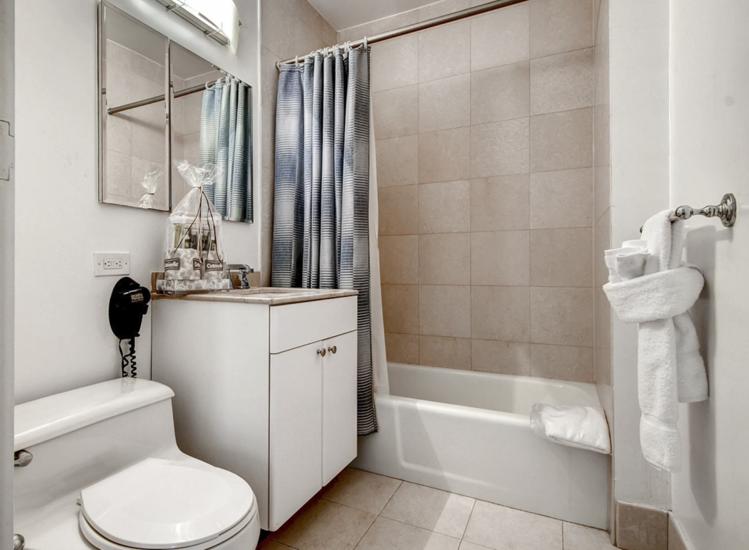 Bathroom at Ritz Plaza Apartments, Times Square, New York