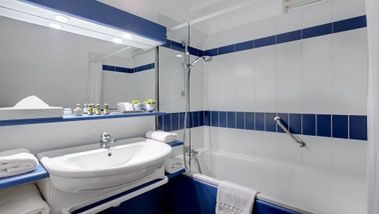 Memorable bathroom in Citadines Grenoble Apartments