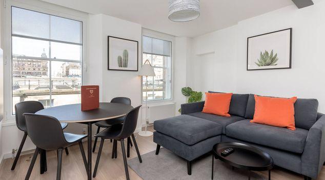Living area at 17 Market Street Apartments, Old Town, Edinburgh