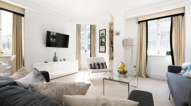 Living Room - Trafalgar Penthouse, Trafalgar Square, London