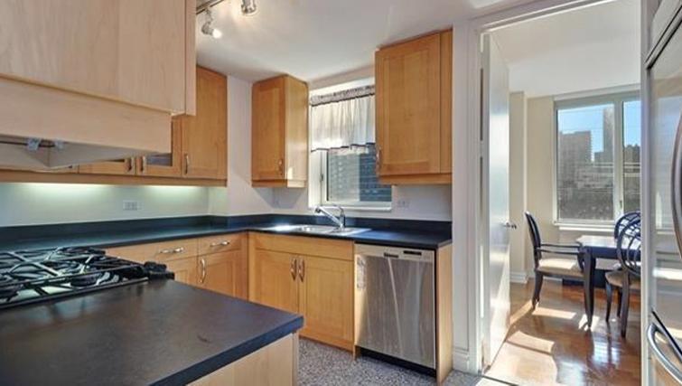 Modern kitchen in Bridge Tower Place Apartments