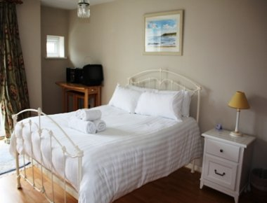 Charismatic bedroom in Town Quay Apartments