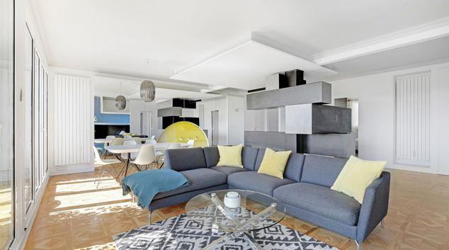 Living area at Eiffel View, 16th Arr, Paris