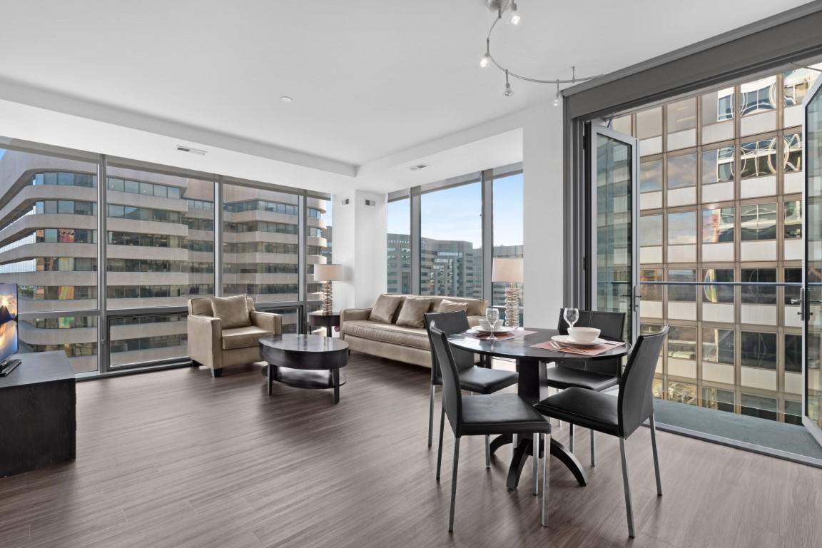 Open plan space at 220 Twentieth Street Apartments, Crystal City, Arlington