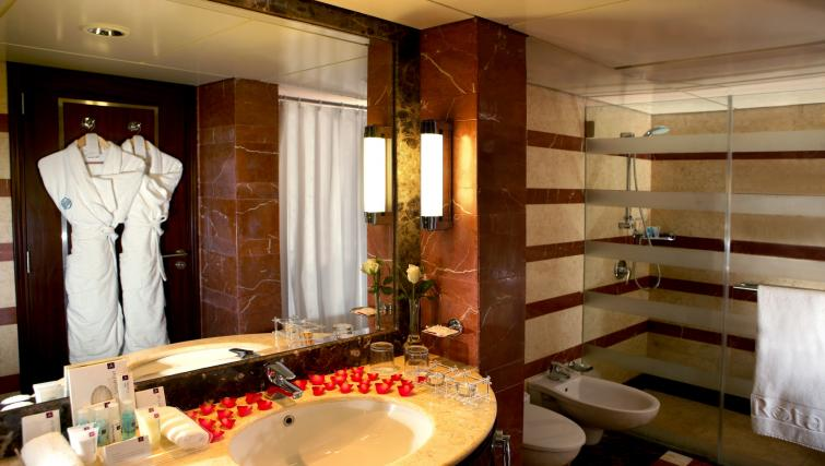 Bathroom at Raouche Arjaan Apartments