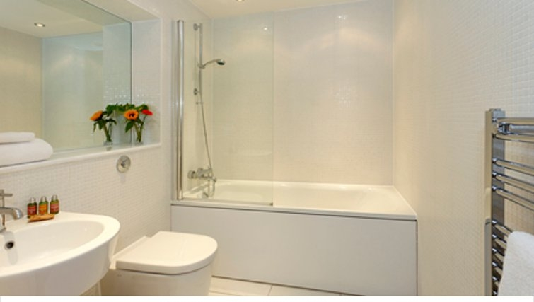 Pristine bathroom in SACO Canary Wharf Trinity Tower