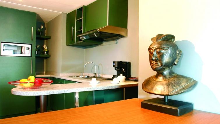 Modern kitchen in JM Suites Hotel