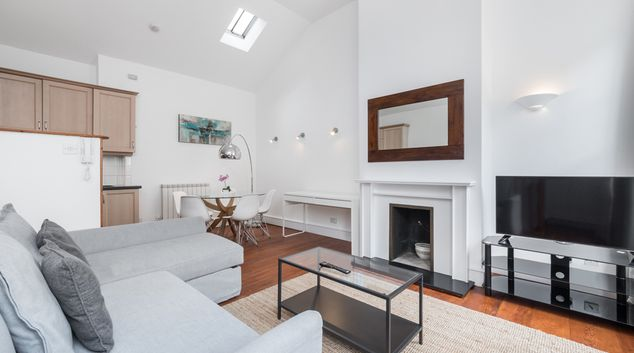 Living area at Fitzroy Square, Warren Street, London