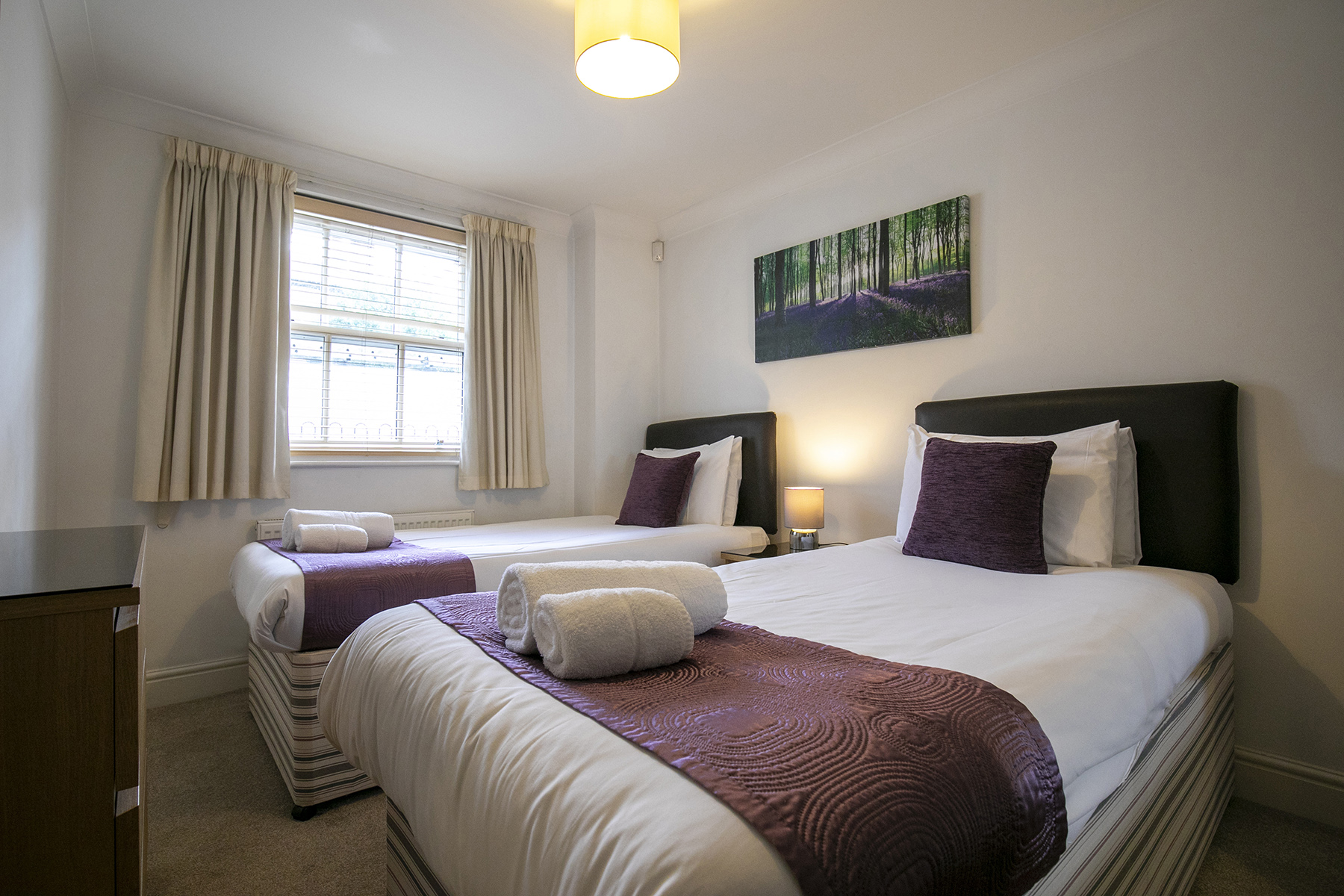 Twin beds at Flexi-Lets The Bars Apartments, Centre, Guildford