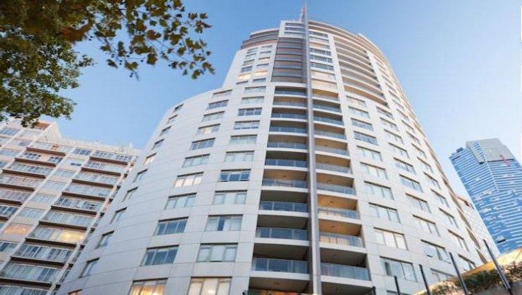 Exterior of Quay West Suites Melbourne