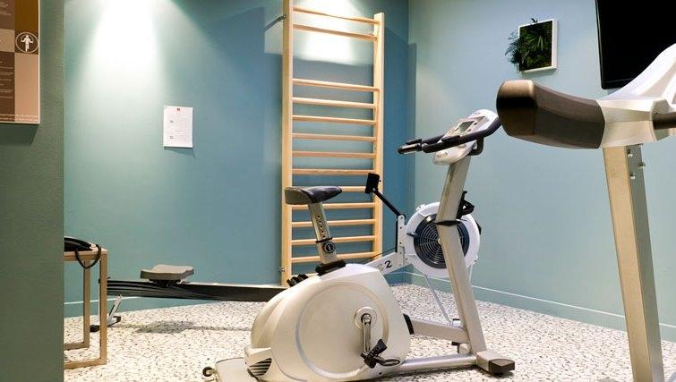 Sophisticated gym in Adagio Caen Centre