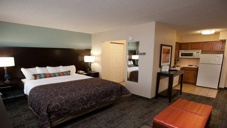 Bedroom in Staybridge Suites Atlanta Buckhead