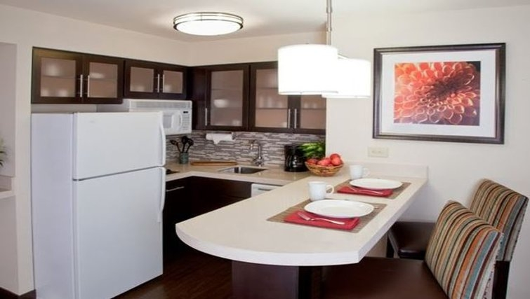 Stunning kitchen in Staybridge Suites Austin Arboretum