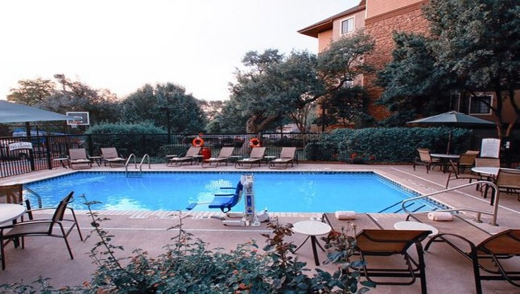 Beautiful pool area in Staybridge Suites Austin Arboretum