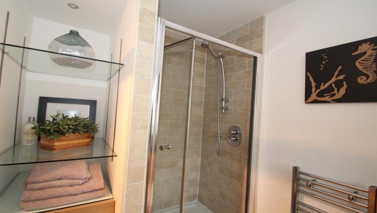 Shower at Mathon Court Apartment