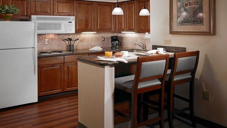 Comfortable kitchen in Staybridge Suites Austin Northwest
