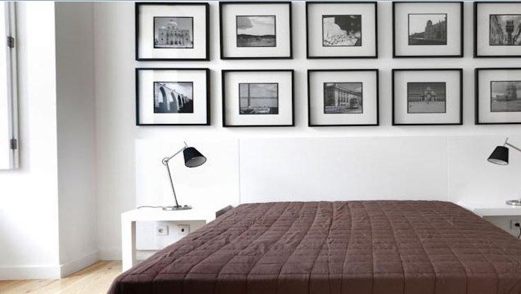 Serene bedroom in Praca do Municipio Apartments