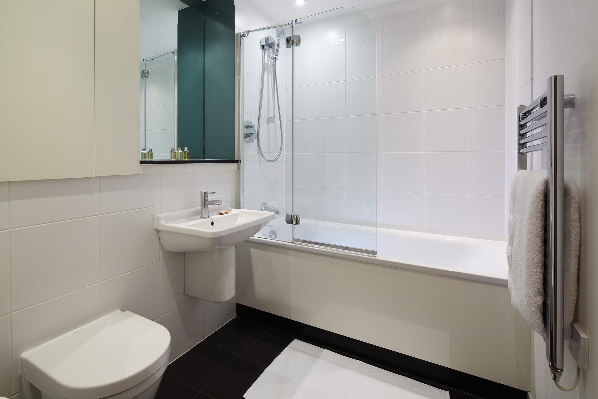 Bathroom at Marlin Canary Wharf Apartments, Canary Wharf, London