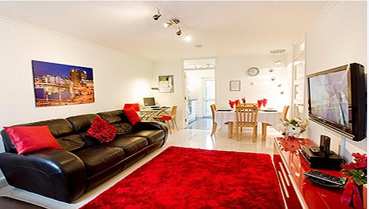 Stunning living area in Salisbury Court Apartment