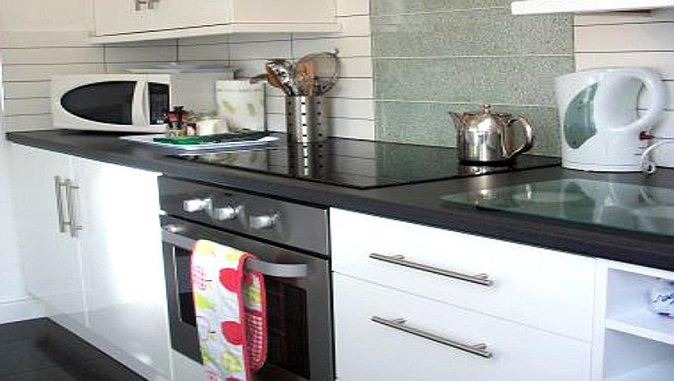 Outstanding kitchen in Salisbury Court Apartment