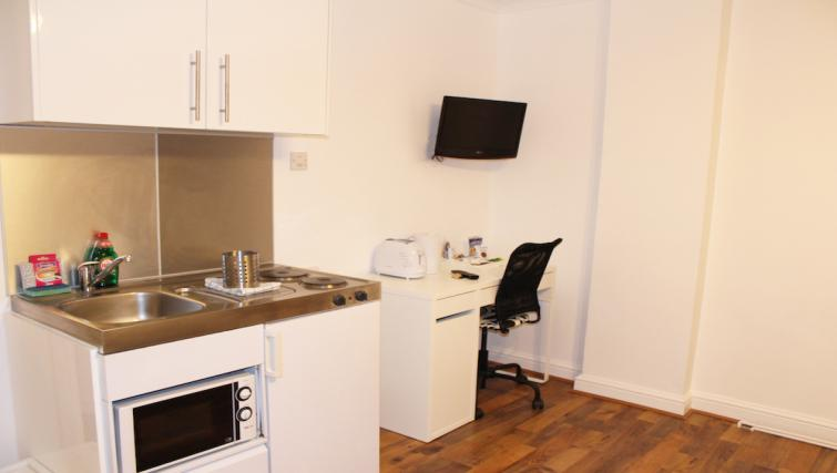 Compact kitchen in Croydon High Street Apartments