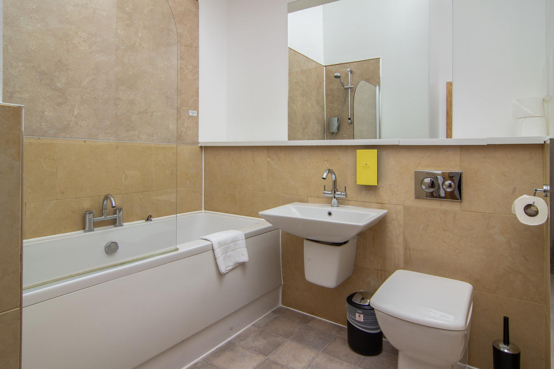 Bath at Staycity Edinburgh Leamington Wharf, Haymarket, Edinburgh