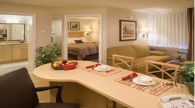 Living area in Candlewood Suites Baltimore Linthicum