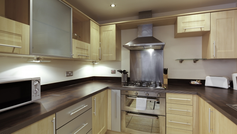 Well equipped kitchen at Freemens Meadow Apartments