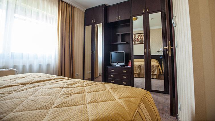 2nd bedroom at Ramada Suites Bucharest North