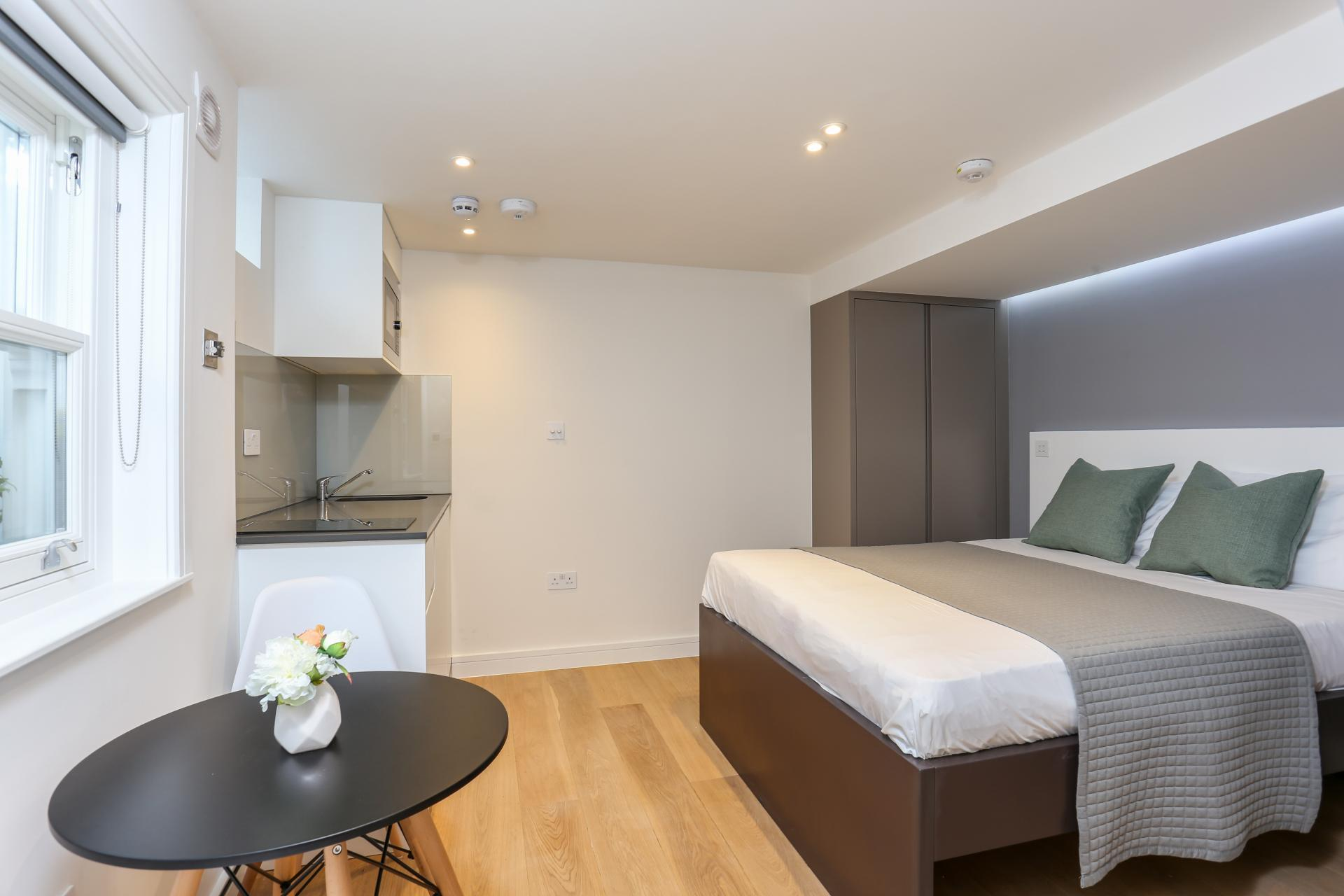 Modern studio at Inverness Terrace Apartments, Bayswater, London