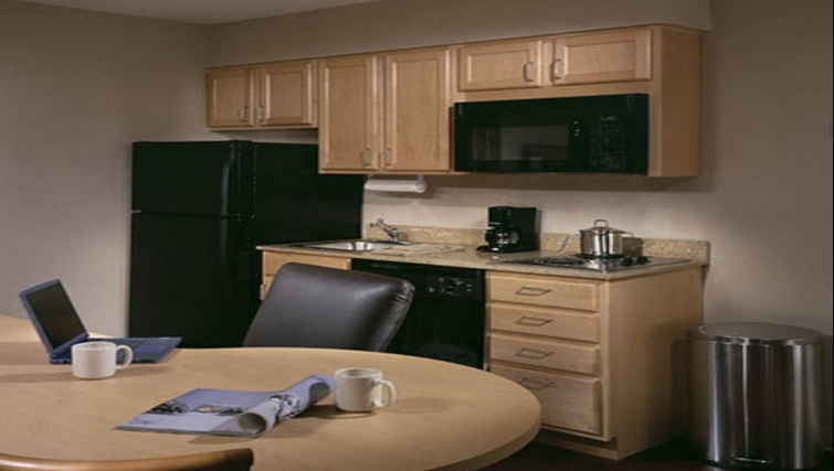 Compact kitchen in Candlewood Suites Boston Burlington