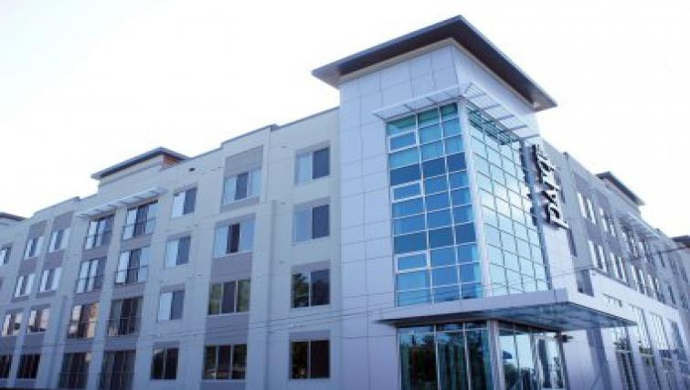 Stately exterior to The Blvd Apartments