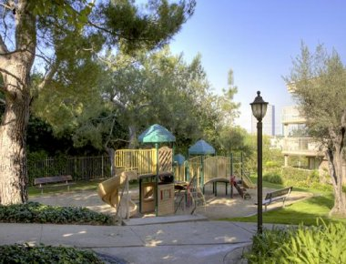 Sensible childrens play area in Toluca Hills Apartments
