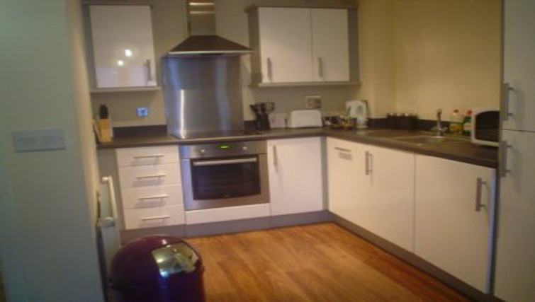 Modern kitchen area in Wilmington Close Watford Apartments
