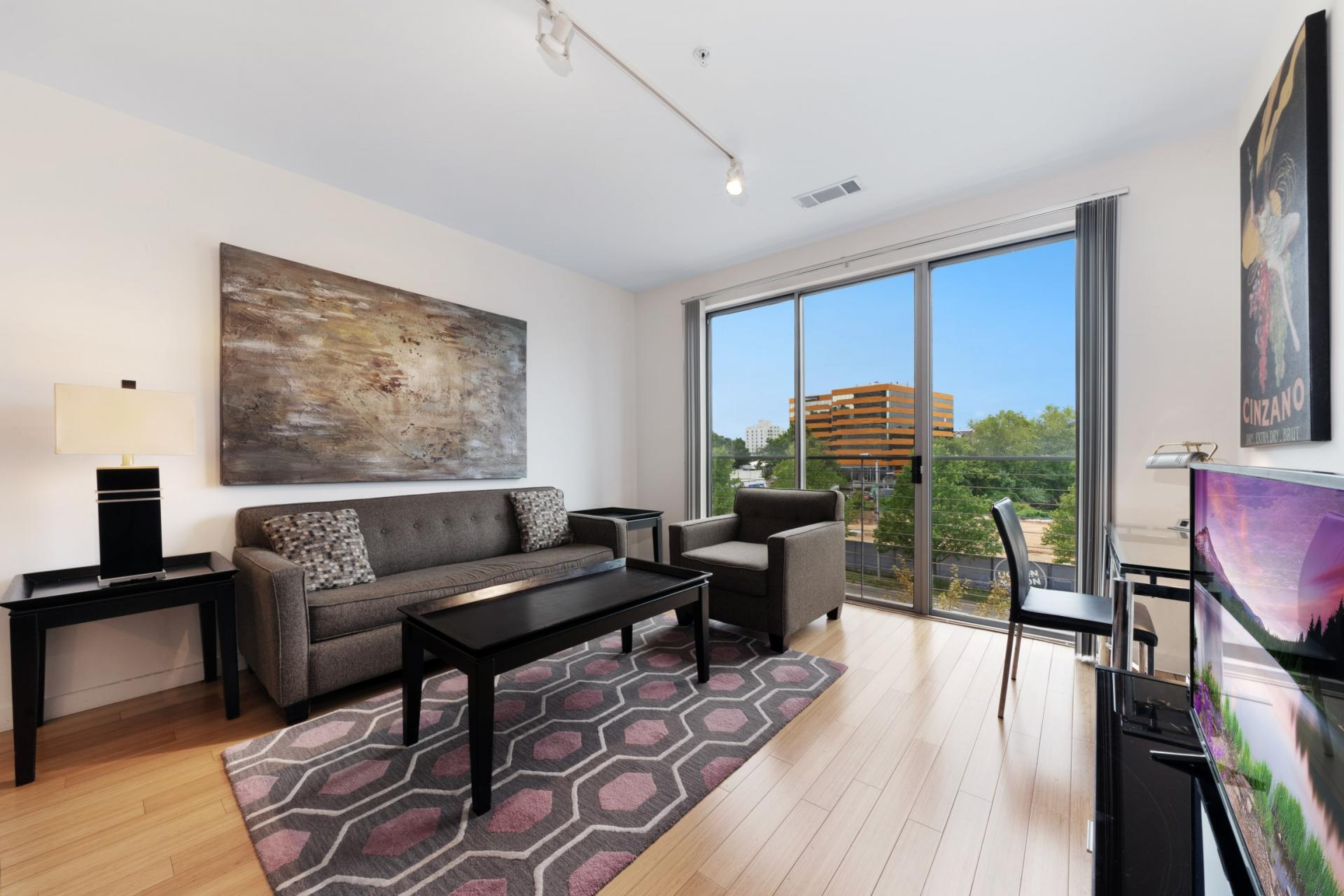 Bright living area at Stamford Blvd Apartments, Centre, Stamford
